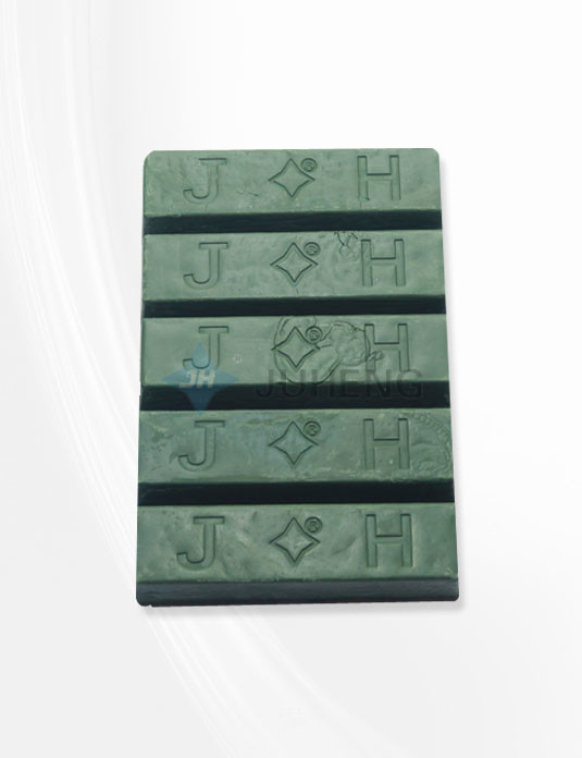 juheng-sap-danh-bong-xanh-la-1