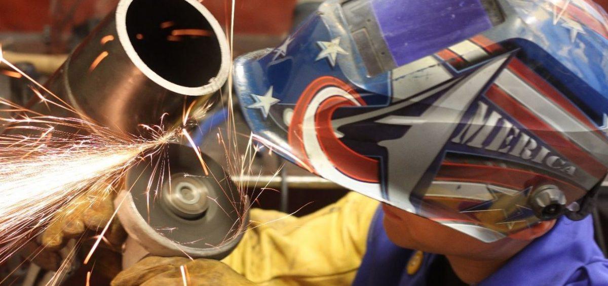 Vai trò của đá cắt chất lượng tốt trong gia công kim loại sắt